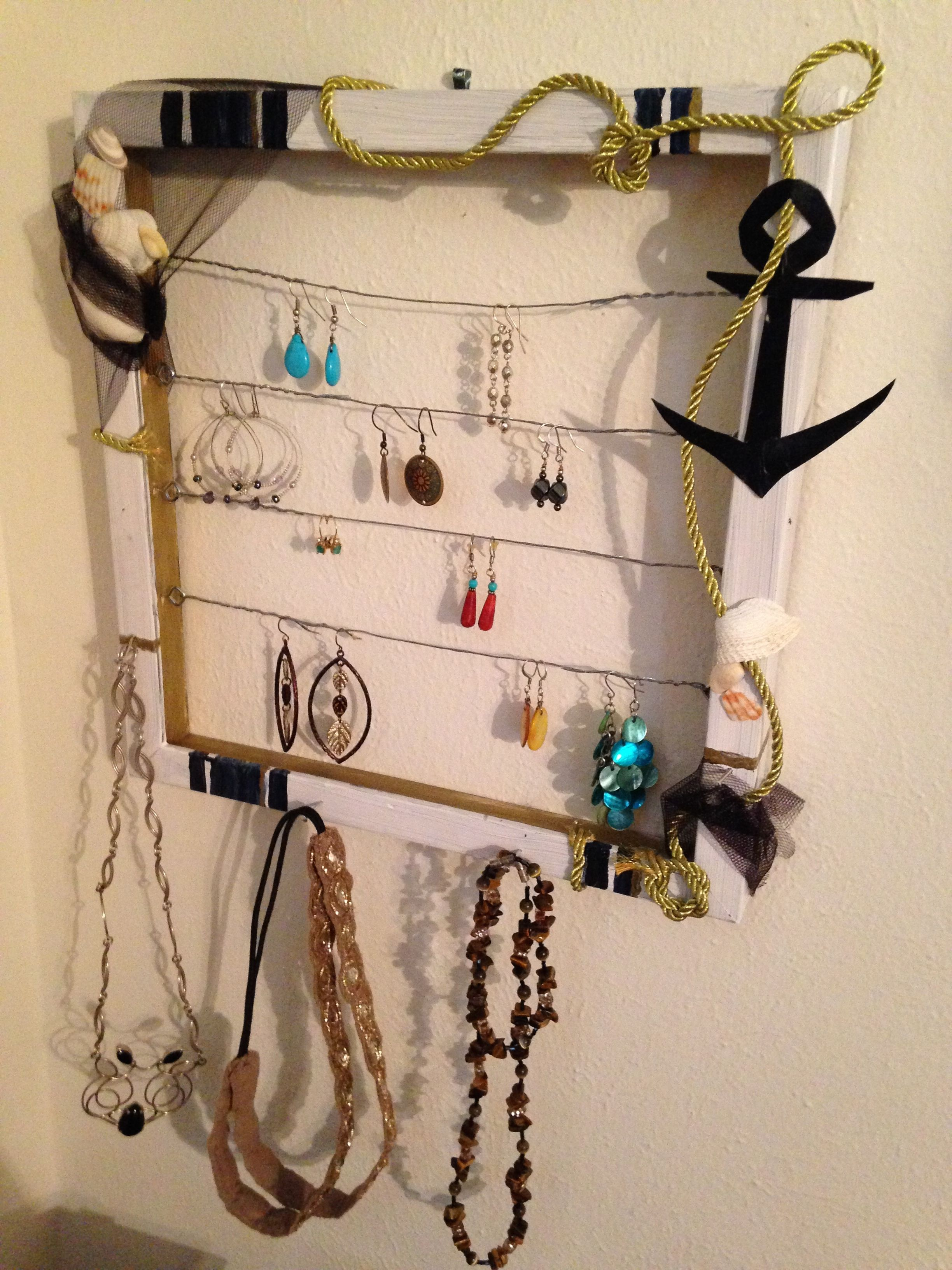 Do it yourself jewelry frame lifestyle she ministries i was going through the jumbled mess of dangling earrings in my jewelry box and thought there must be a better way to organize this and save time solutioingenieria Images